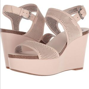 Shoes - New Vince Camuto Vessinta Blush Lamb softy